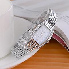 Bayanların Moda Saat Sahte Elmas Saat imitasyon Pırlanta Quartz Alaşım Bant Işıltılı Gümüş