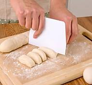 PE материал крем для торта решений трапециевидной лезвие (случайный цвет)
