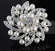 Alloy/Silver Plated/Imitation Pearl Brooch/Fashion all-match Flower Brooch/Wedding/Party/Casual 1PC