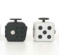 Игрушки от стресса Кубик от стресса Игрушки Квадратный Мода Стресс и тревога помощи Товары для офиса Новый дизайн Взрослые 1 Куски