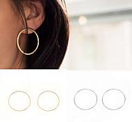 Серьги-кольца Бижутерия Медь Круглый дизайн Euramerican Простой стиль Мода Круглый Золотой Серебряный Бижутерия Для вечеринок Повседневные