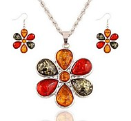cheap -Women's Crystal / Rhinestone Crystal Flower Jewelry Set 1 Necklace / Earrings - Classic / Fashion Silver Drop Earrings / Pendant Necklace
