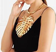 Недорогие -Жен. Крупногабаритные Заявление ожерелья  -  металлический Крупногабаритные европейский нерегулярный Уникальные UNIQUE Золотой Черный