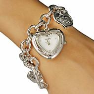 Women's Heart-shape Dial Love Pattern Alloy Band Quartz Analog Bracelet Watch (Assorted Colors) Cool Watches Unique Watches