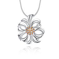 Женский Ожерелья с подвесками Кристалл В форме цветка Стерлинговое серебро Хрусталь Искусственный бриллиант Уникальный дизайн С логотипом