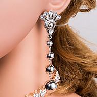 Χαμηλού Κόστους -Γυναικεία Ασημί Γεωμετρική Κρεμαστά Σκουλαρίκια Προσομειωμένο διαμάντι Σκουλαρίκια Ευρωπαϊκό Κοσμήματα Ασημί Για Καθημερινά 1 Pair