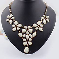 Necklace Statement Necklaces Jewelry Wedding / Party / Daily / Casual Alloy Gold 1pc Gift