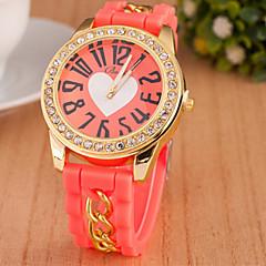 preiswerte Damenuhren-Damen Armbanduhr Imitation Diamant Silikon Band Heart Shape / Freizeit / Modisch Schwarz / Weiß / Blau