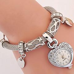 preiswerte Tolle Angebote auf Uhren-Damen Armbanduhr Imitation Diamant Legierung Band Charme / Heart Shape / Retro Silber / Gold