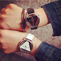preiswerte Armbanduhren für Paare-Herrn Damen Paar Totenkopfuhr Quartz Transparentes Ziffernblatt PU Band Analog Charme Modisch Schwarz / Weiß - Weiß Schwarz Schwarz / Weiß