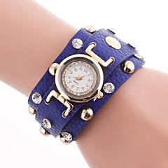 preiswerte Damenuhren-Damen Modeuhr / Armband-Uhr / Simulierter Diamant Uhr Armbanduhren für den Alltag PU Band Charme Schwarz / Weiß / Rot