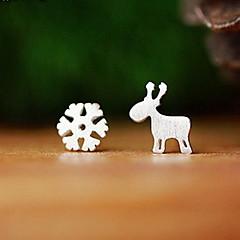 Beszúrós fülbevalók Divat aranyos stílus Ezüst Animal Shape Szarvas Hópehely Fekete Ezüst Ékszerek Mert Napi Hétköznapi 1 pár