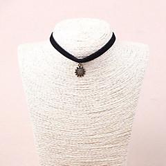 Dame Kort halskæde Cirkelformet Oval form Blomstformet Solsikke Blonde Punk Stil Sort Smykker For Fest 1 Stk.