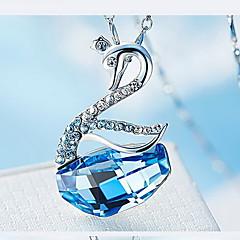 Ожерелья с подвесками Кристалл Хрусталь В форме животных Базовый дизайн В виде подвески Животный дизайн Простой стильЗолотой Темно-синий