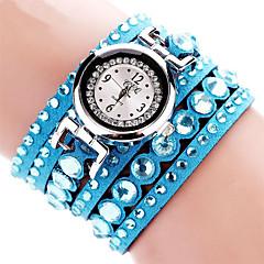 preiswerte Damenuhren-Damen Armband-Uhr / Armbanduhr Imitation Diamant Stoff Band Charme / Glanz / Freizeit Schwarz / Weiß / Blau