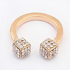 Férfi Női Karikagyűrűk Gyűrű mandzsetta Ring Strassz Alap Egyedi Medál Geometriai Bohemia stílus Punk stílus Imádni való Személyre