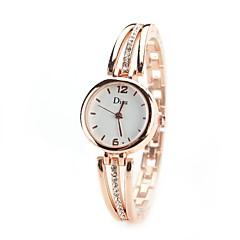 preiswerte Tolle Angebote auf Uhren-Damen Armbanduhr / Simulierter Diamant Uhr Chinesisch Imitation Diamant Legierung Band Retro / Freizeit / Modisch Silber / Gold / Ein Jahr / TY 377A