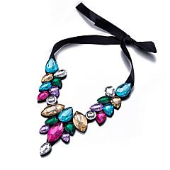 preiswerte Halsketten-Damen Quaste Halsketten / Kragen - Harz Erklärung, Retro, Böhmische Gold, Regenbogen Modische Halsketten Schmuck Für Weihnachts Geschenke, Hochzeit, Party
