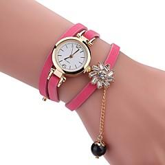 preiswerte Damenuhren-Damen Armband-Uhr Chinesisch Neues Design / Armbanduhren für den Alltag / Imitation Diamant PU Band Freizeit / Modisch Schwarz / Weiß / Blau