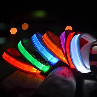 Kedi Evcil Hayvanlar Köpek Yakalar Köpek Eğitim Tasmaları LED Işıklar Elektrik Karanlıkta Parlayan Solid Naylon Kırmzı Yeşil Mavi Pembe