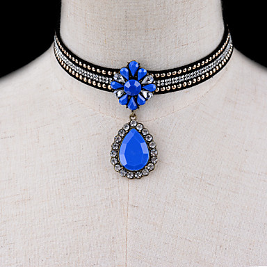 للمرأة قلادات ضيقة مجوهرات مجوهرات الأحجار الكريمة الاصطناعية سبيكة موديل الزينة المعلقة موضة euramerican في مجوهرات من أجل هدية يوميا