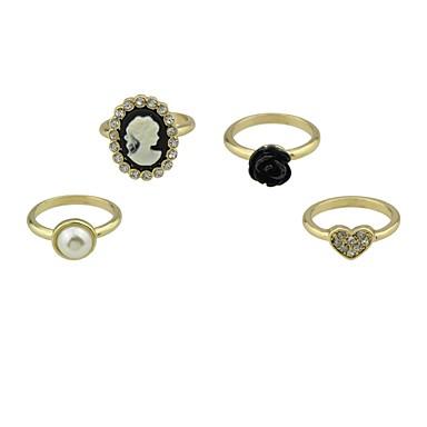 Pentru femei Seturi de inele Bijuterii 4 buc Personalizat De Bază Aliaj Circle Shape Bijuterii Casual Dată