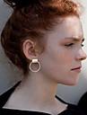 Femme Boucles d\'oreille goujon Simple Style Personnalise bijoux de fantaisie Alliage Bijoux Pour Mariage Soiree Quotidien Decontracte