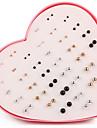 Жен. Серьги-гвоздики Искусственный жемчуг Простой стиль Мода Искусственный жемчуг Серебрянное покрытие Позолота Круглой формы Бижутерия